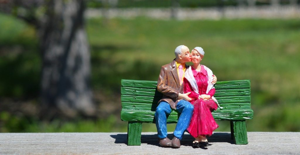 old couple, sitting, grandparents